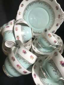 HARLEIGH tea service for six